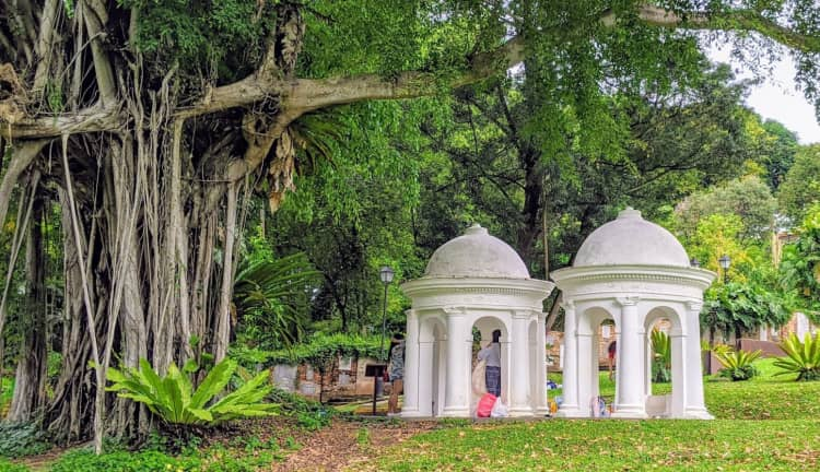 Singapore's Fort Canning Park visit with your girlfriend
