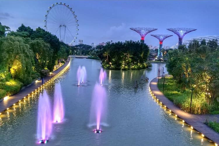Gardens by the Bay visit with your girlfriend in Singapore
