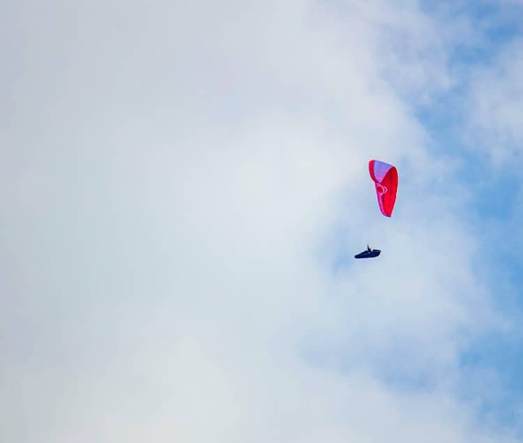 Couples must try Paragliding in Udaipur